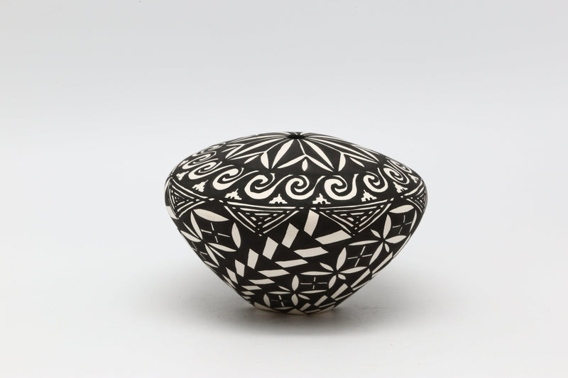 Acoma Thin Wall Seed Pot-Lema's Kokopelli Gallery