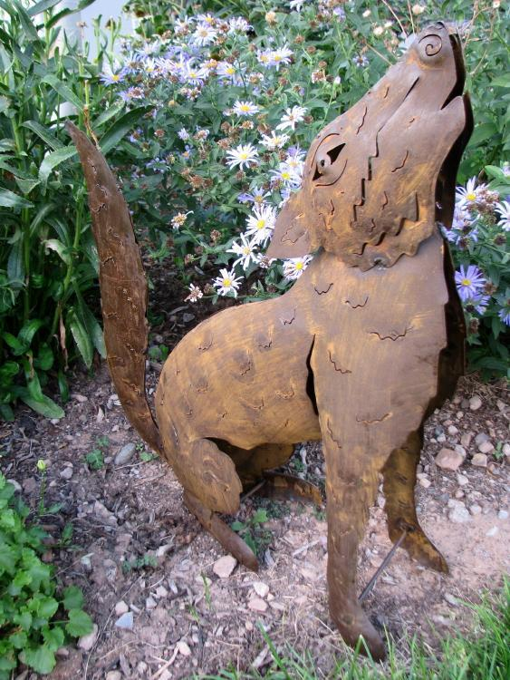 Howling Coyote Yard Art, Large-Lema's Kokopelli Gallery
