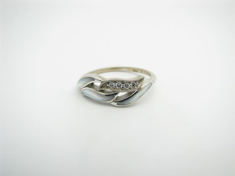 Kabana 14k White Gold Ring with Inlay White Mother of Pearl and Four Diamonds-Lema's Kokopelli Gallery