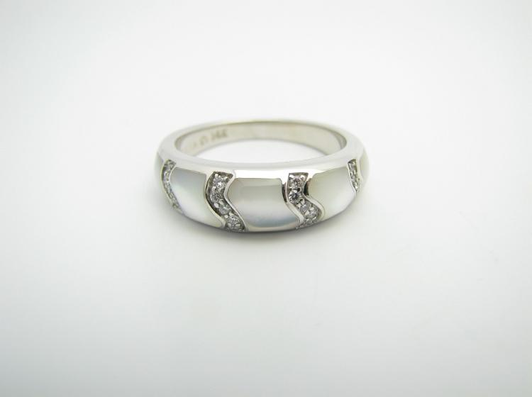 Kabana 14k White Gold Ring with Inlay White Mother of Pearl and Twenty Diamonds-Lema's Kokopelli Gallery