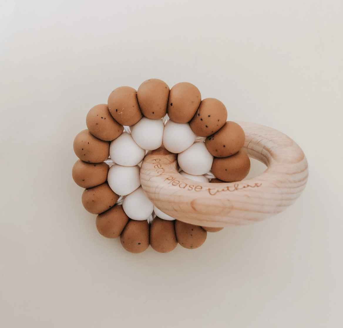 Reed || Teething Ring © (Speckled Almond)