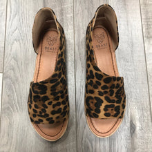 FINAL SALE Sabrina Shoe Leopard