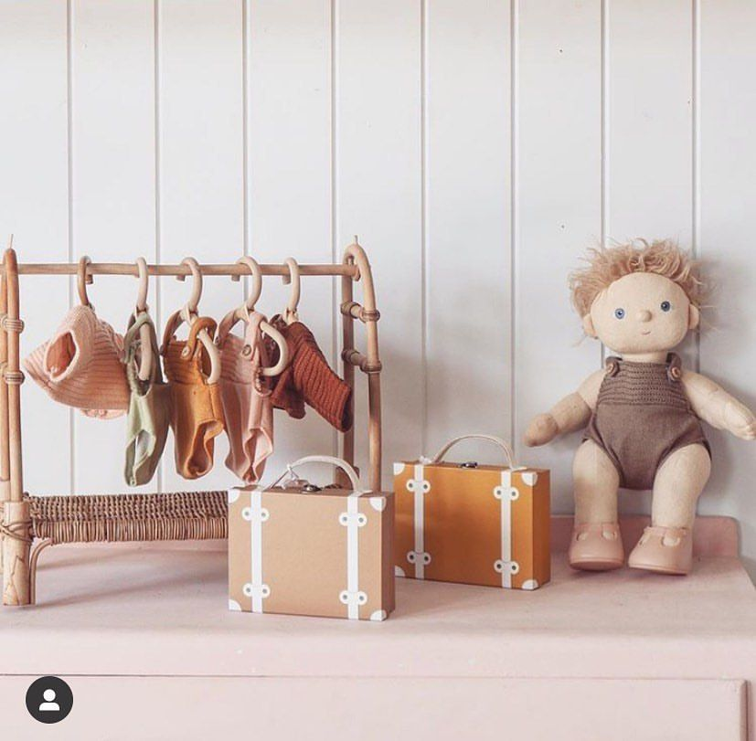 Clothing Rack for Dinkum Dolls by Olliella