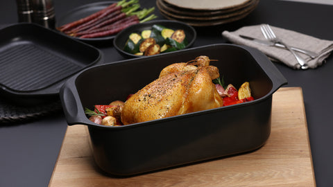 Gourmet Oval Roaster with Lid by Taste The Difference