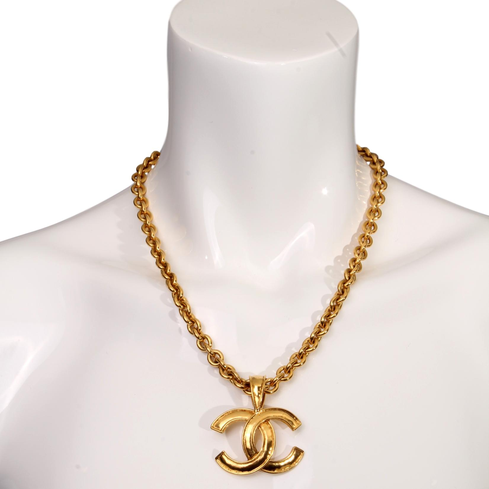 necklace heart pendant gold chain