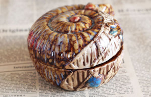 Vintage Ceramic Conch Shell Ashtray with Lid for Mermaids
