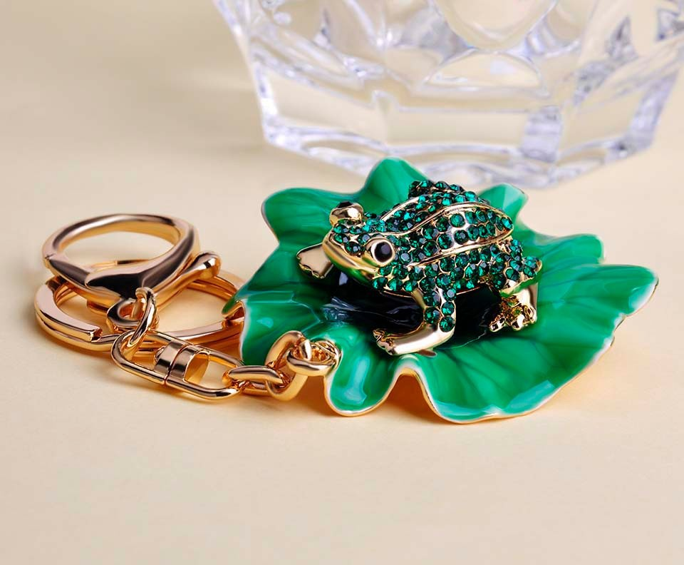 Lotus Lilly Leaf Pad Green Frog Coqui Key Chain