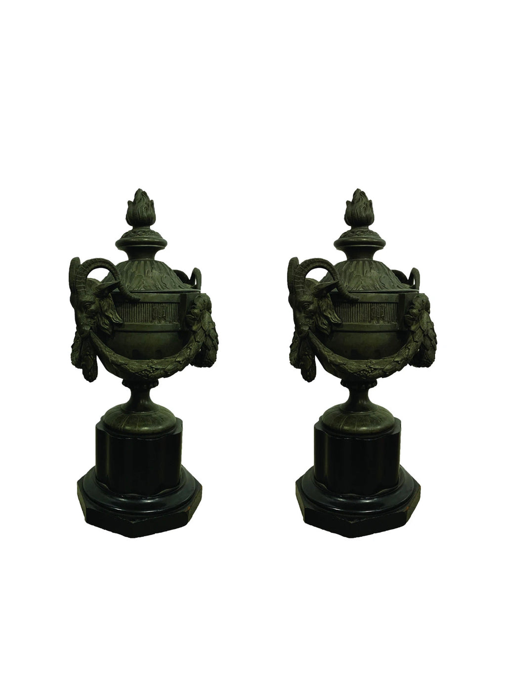 PAIR OF 19TH CENTURY FRENCH LE GRAND TOUR BRONZE URNS ON PAINTED WOOD BASES - Accessories - Libertine