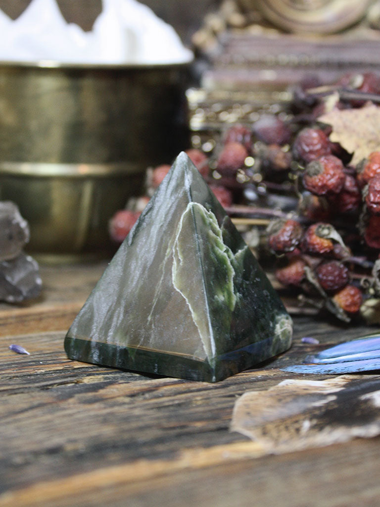 Green Jade Pyramid - C922