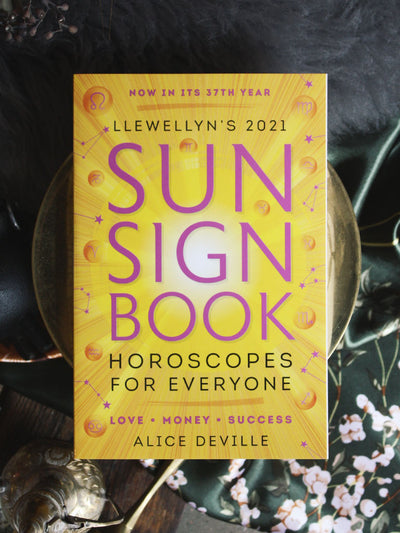 Llewellyn's 2021 Sun Sign Book
