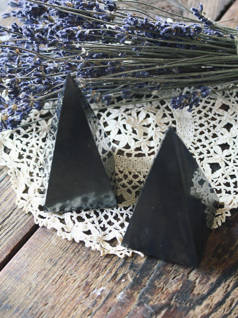 Shungite Pyramid Points