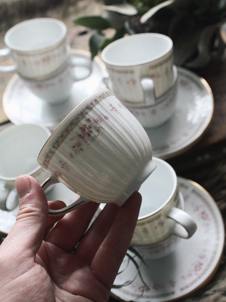 Vintage 8 Setting Tea Cup Set - V148