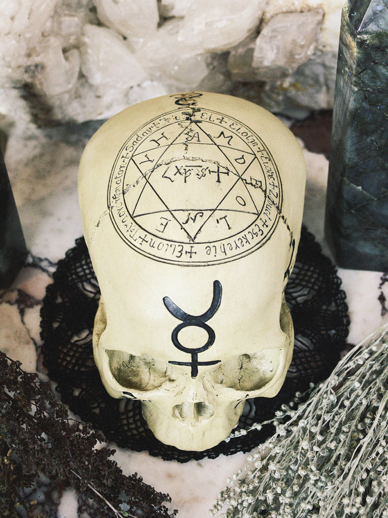 rite of ritual pentagram skull 1
