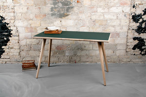 BOOMERANG DESK SMALL
