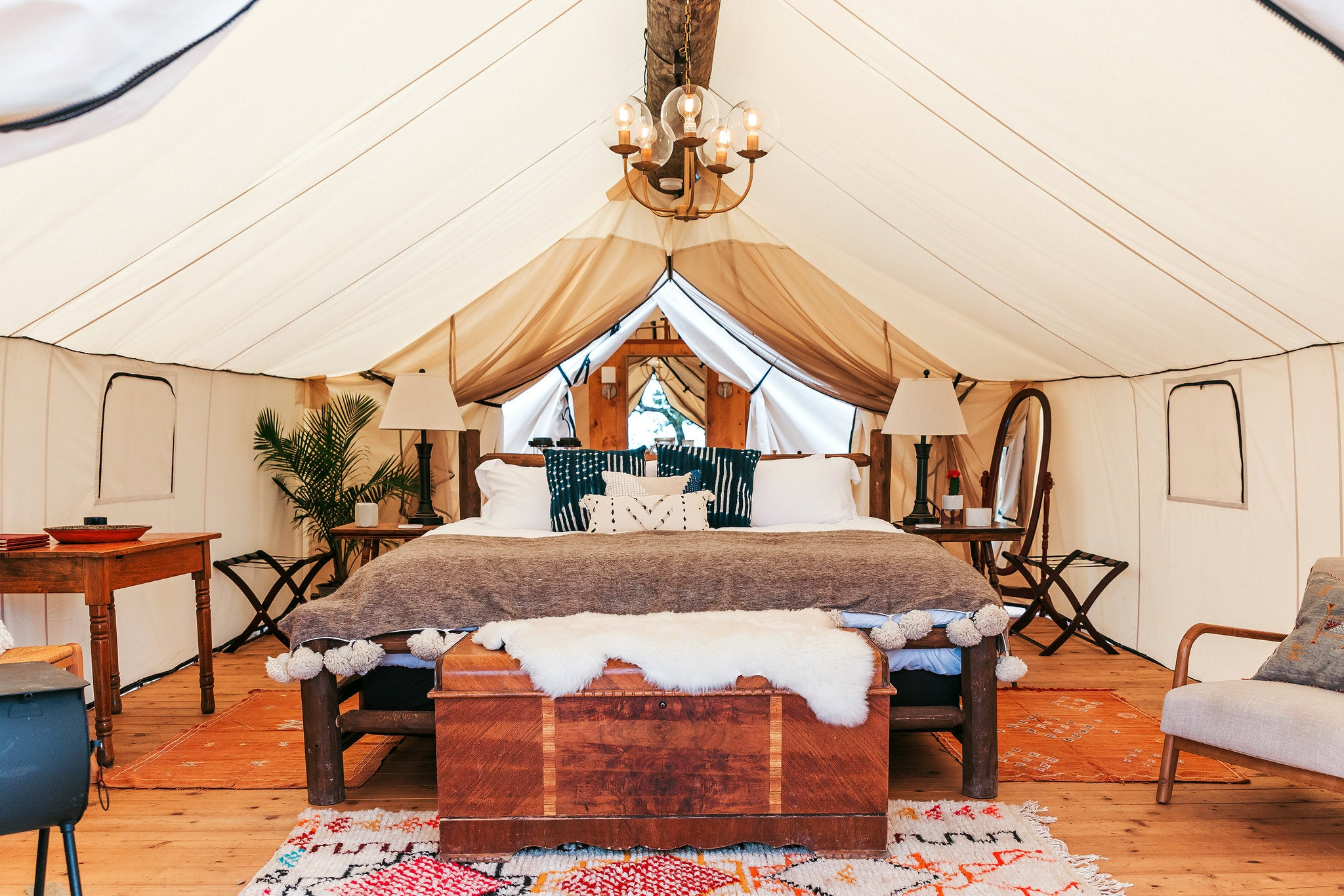 persian rugs, oriental rugs, london rugs, uk rug collections, glamping rugs, glamping 2021, tent decor, decor ideas