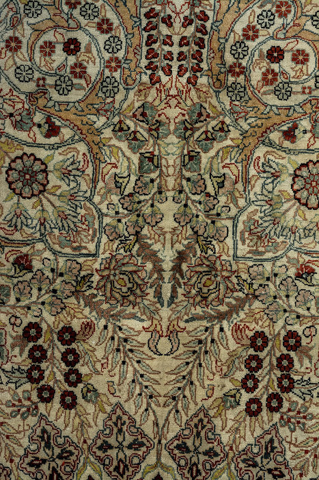 ARORA Pure Silk Persian Herike Lilla Rug to buy London UK