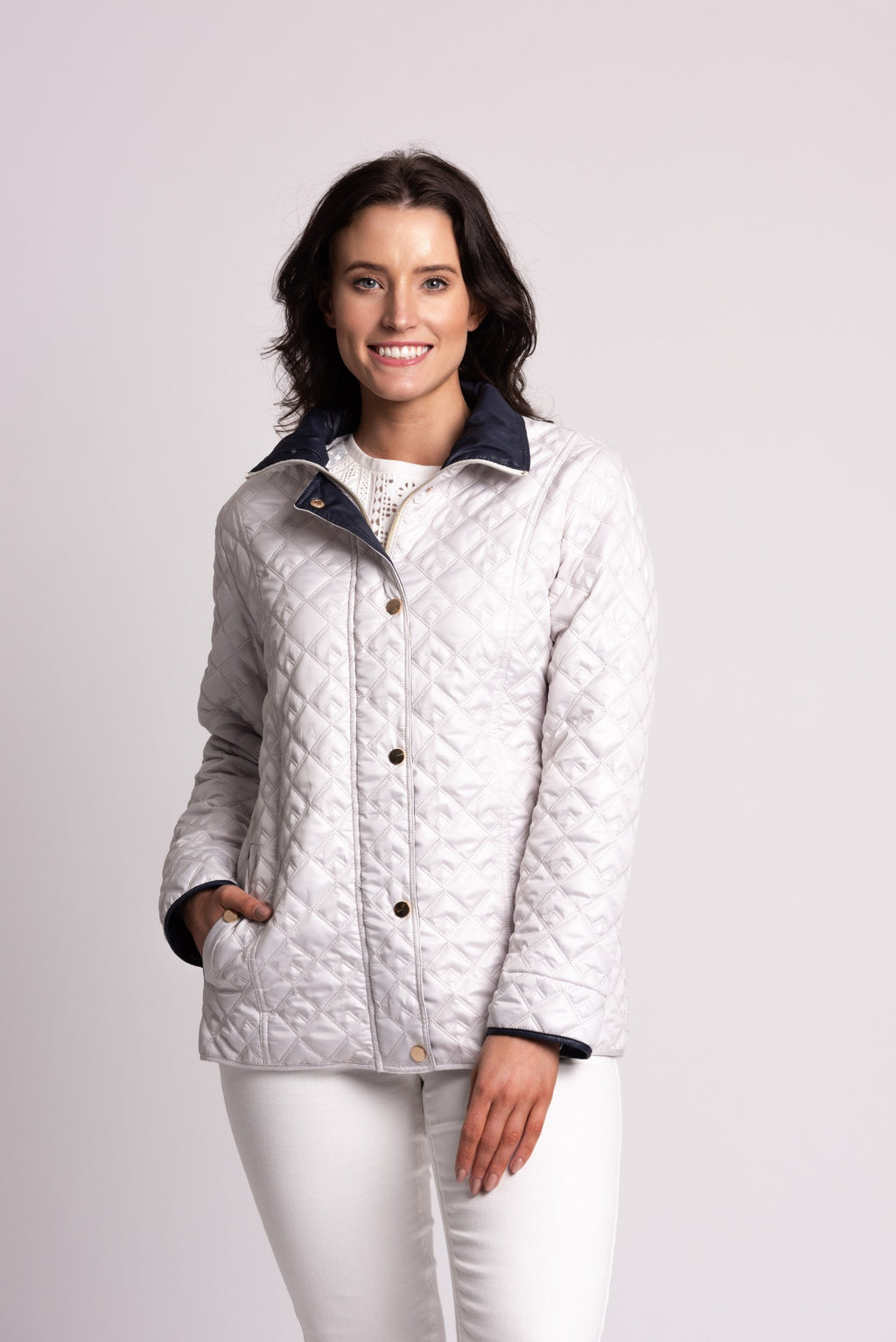 FANCY DIAMOND QUILT JACKET WITH CONTRAST DETAIL