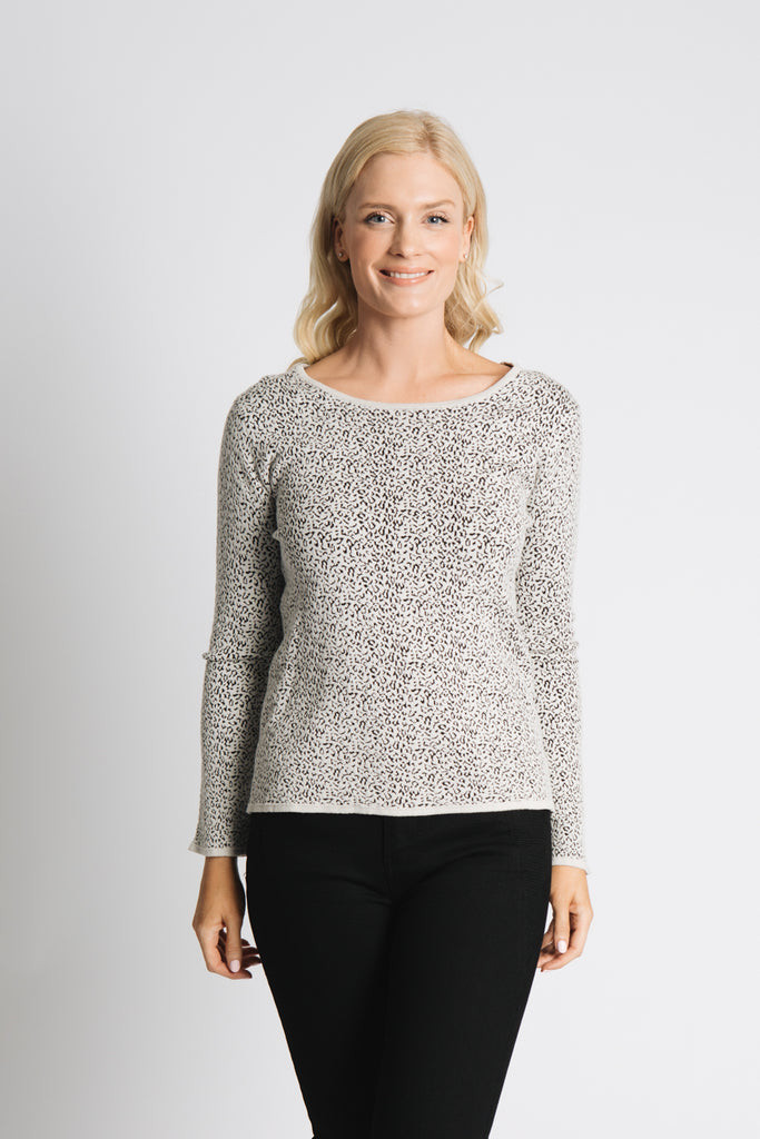 ANIMAL JACQUARD PATTERN SWEATER