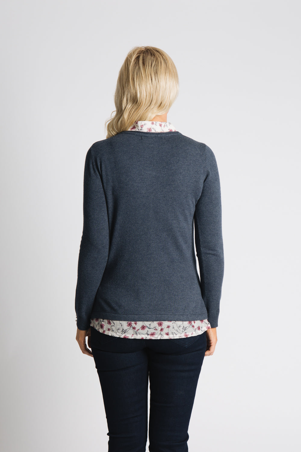 Sweater with printed chiffon collar and tail
