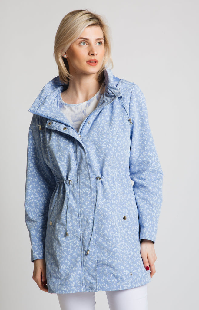 Drawstring waist hooded mac in light blue with small white ditsy print. A great wardrobe update! easy fit.