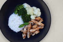 Load image into Gallery viewer, CHICKEN, BROCCOLI, CAULIFLOWER & RICE