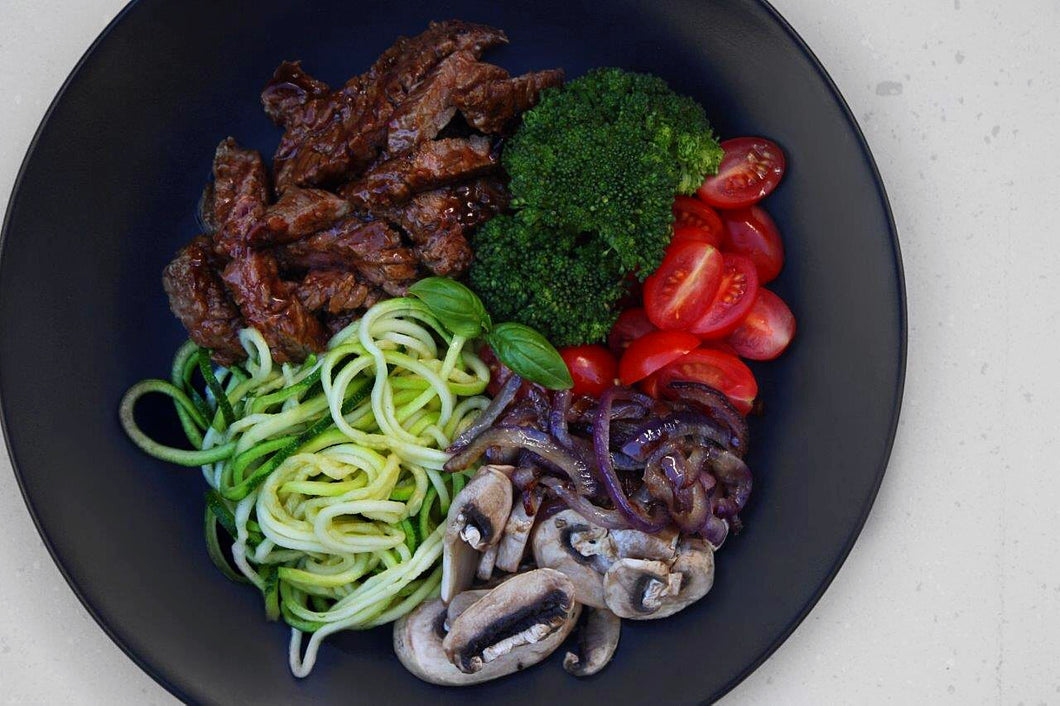 STEAK, VEG & ZOODLE BOWL