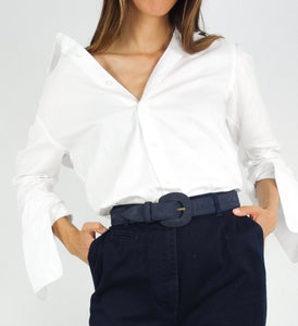 White shirt with oversized sleeves