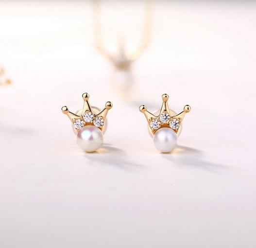 Freshwater Pearl CZ Accent Queen Crown Stud Earrings in 14K Gold Factory Manufacturer Wholesale R2E4R11026