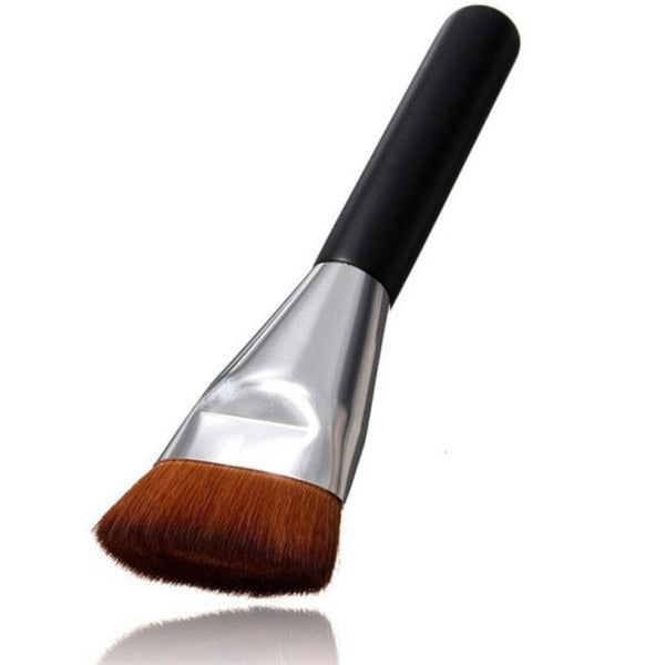 Bernadette Single Piece Contour Foundation Brush - woven-trends