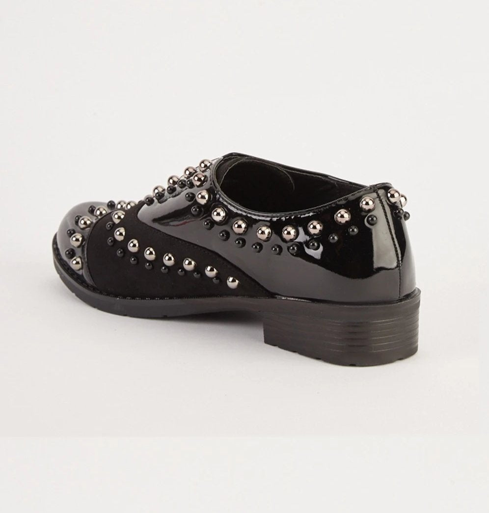 Claudia Stud Design Contrast Brogue Shoes-Woven Trends