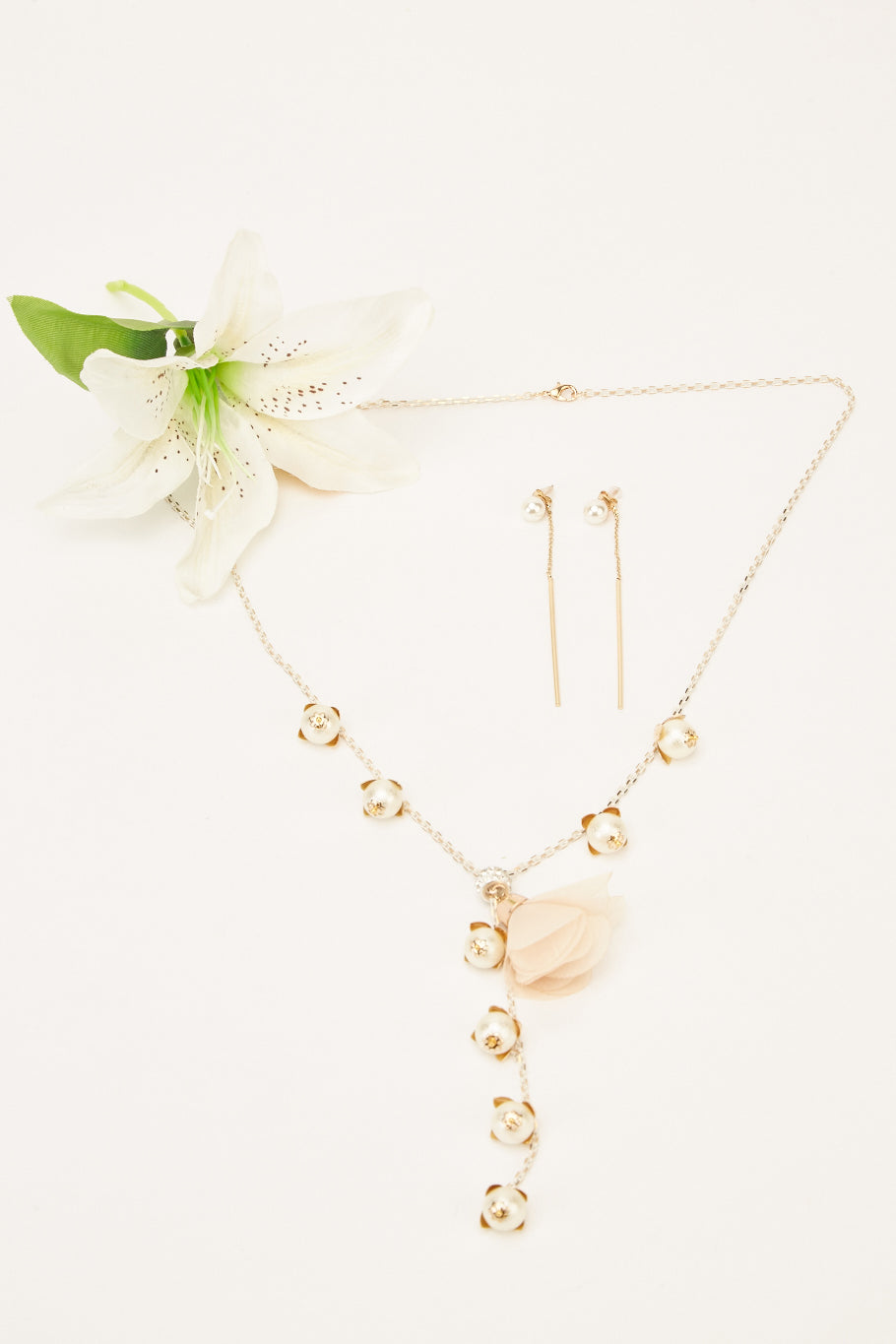 Genevieve Embellished Necklace and Earrings Set-Woven Trends