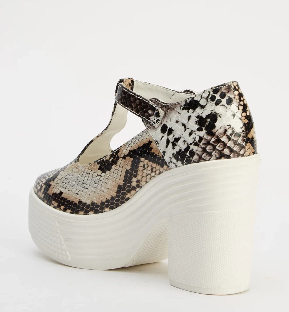 Gisselle Wild Side Animal Print Block Heel Shoes - Woven Trends