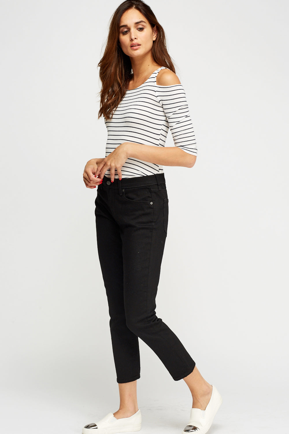 Anastasia Cropped Black Jeans - Woven Trends