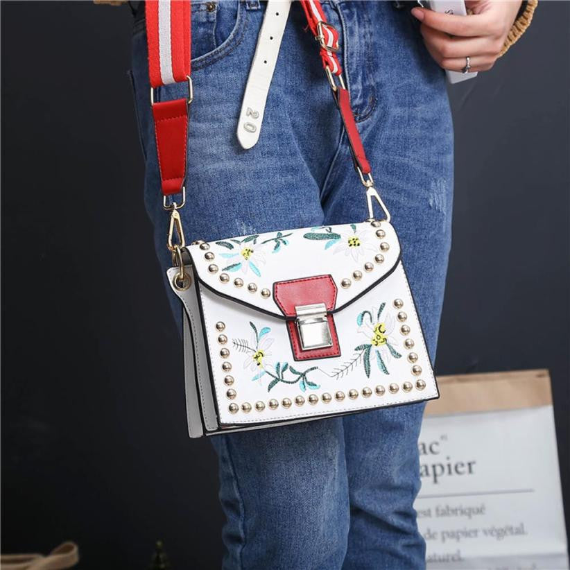 Crossbody Handbag Floral Embroidery Leather Detail - Slide Lock Flap Cover Flower Shoulder Bag Woven Trends