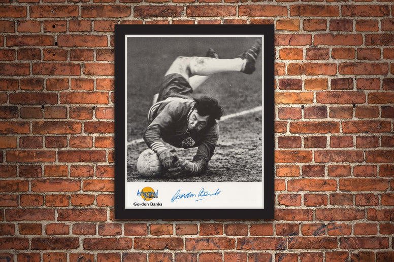 The Gordon Banks Signed Framed Photograph - Collectology