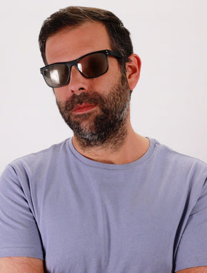Middle age bearded man Duval sunglasses