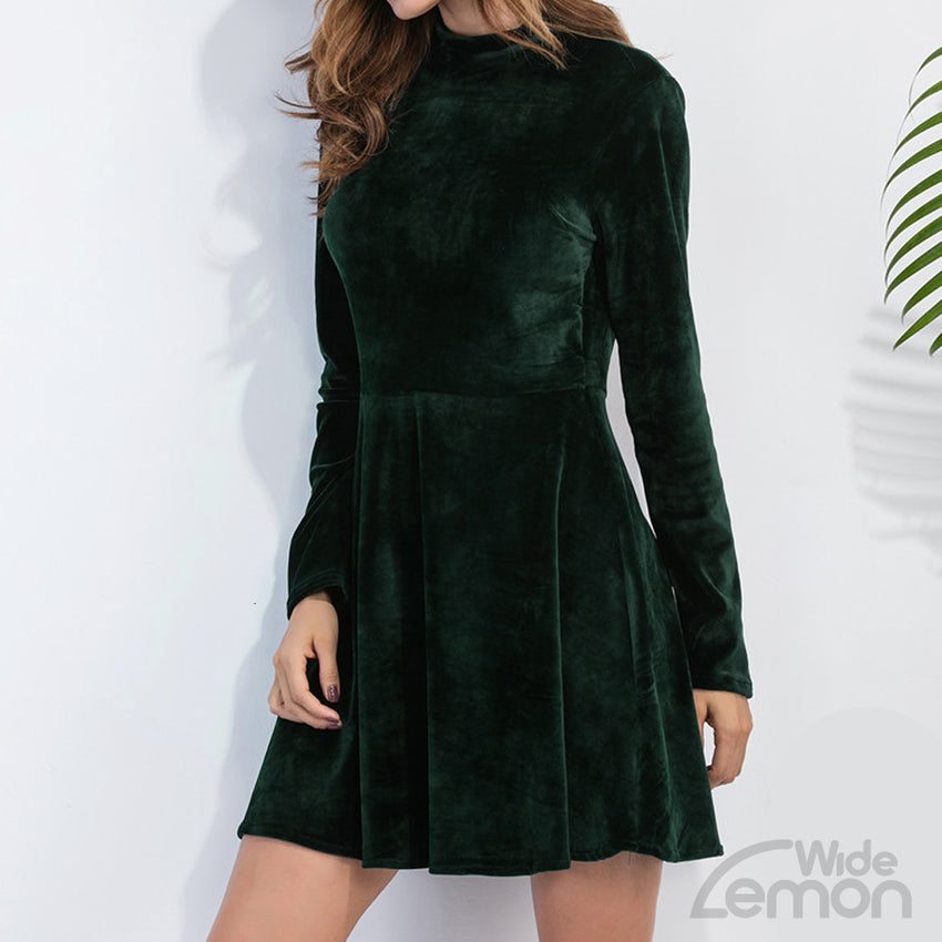 Green Velvet Long Sleeve Short Dress