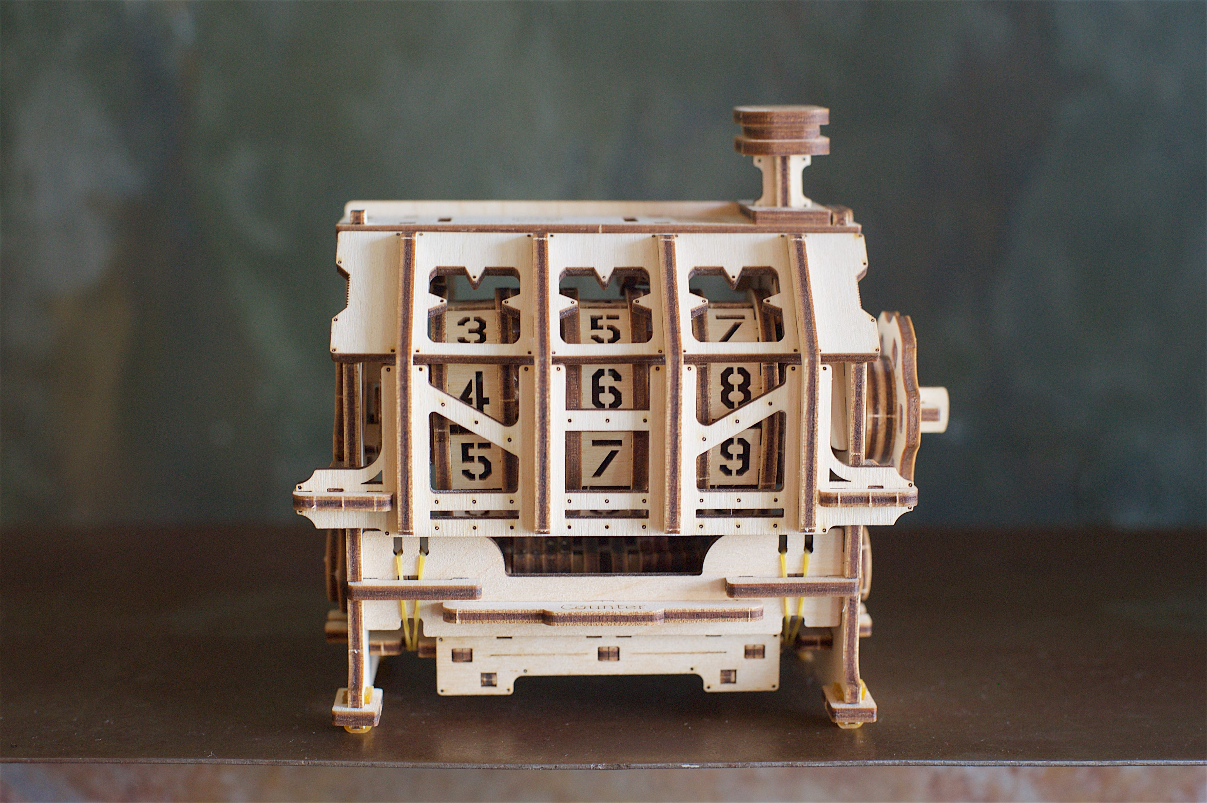 Fuego Cloud 3D Wooden Mechanical DIY Model Kit Counter Front View
