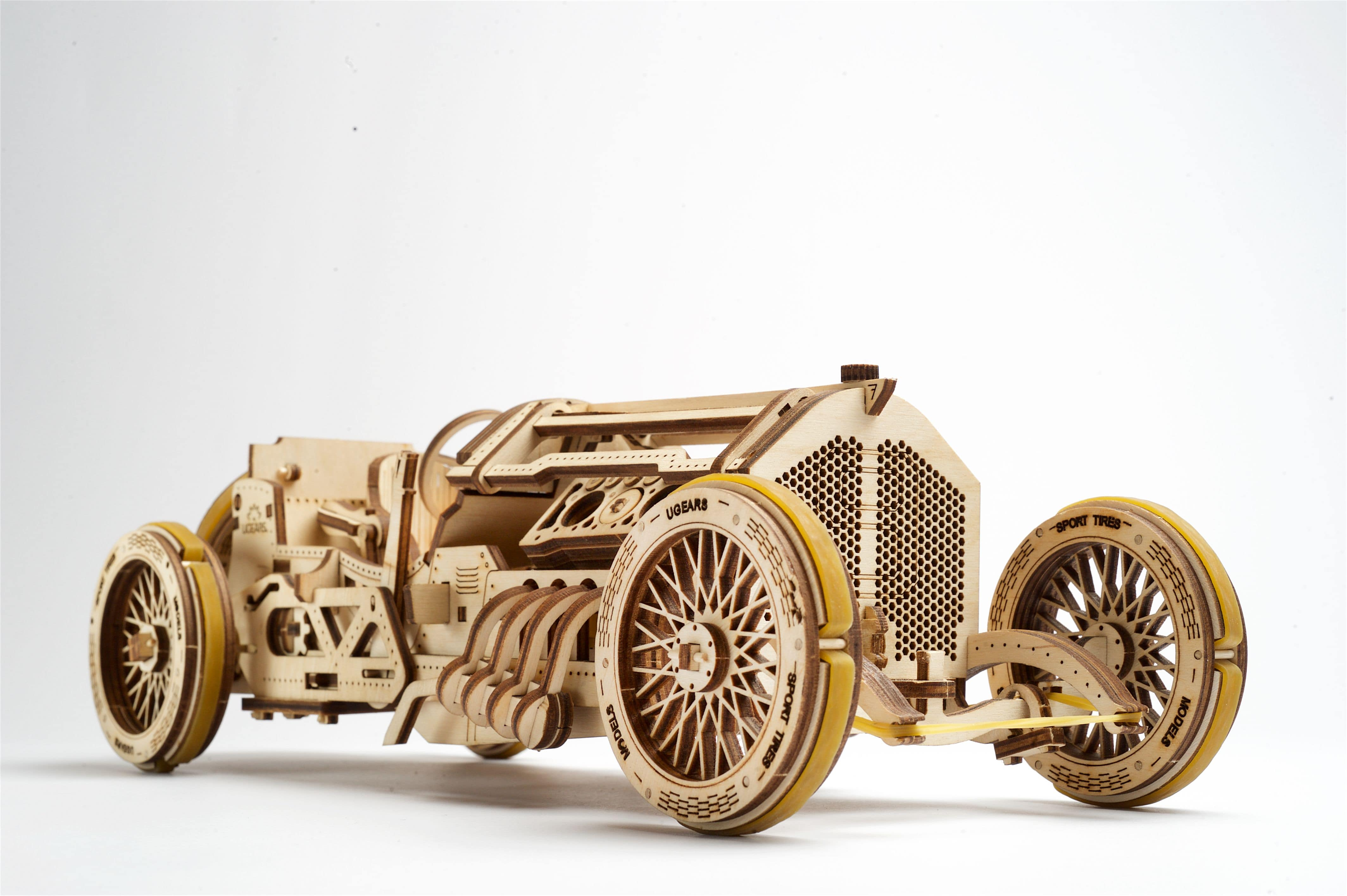 Wooden Car Model Building Kit Fuego Cloud Speedster Grand Prix Race Car