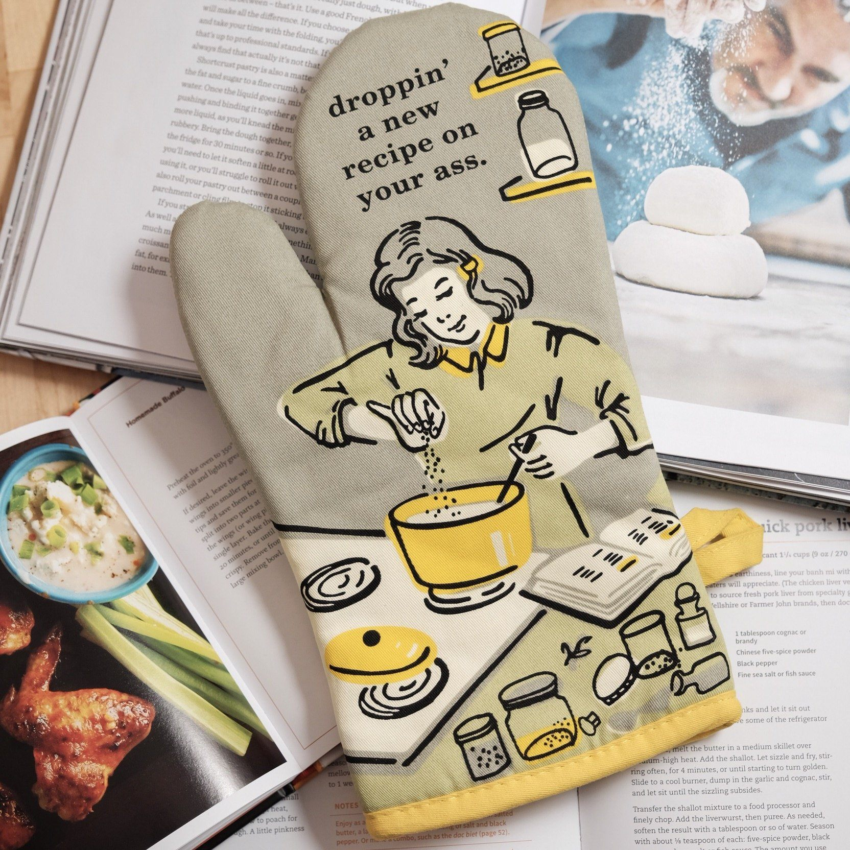 Droppin' A New Recipe On Your A Oven Mitt - Blue Q - AlwaysFits.com