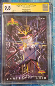 CGC SS 9.8 Power Rangers #30 Buzz/Legends Variant Infinity Gauntlet Homage