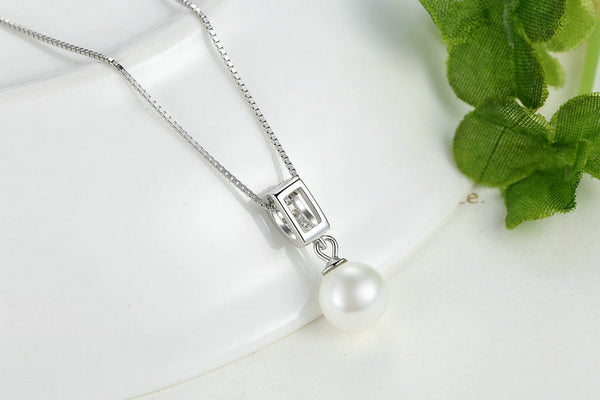 One Pearl Necklace