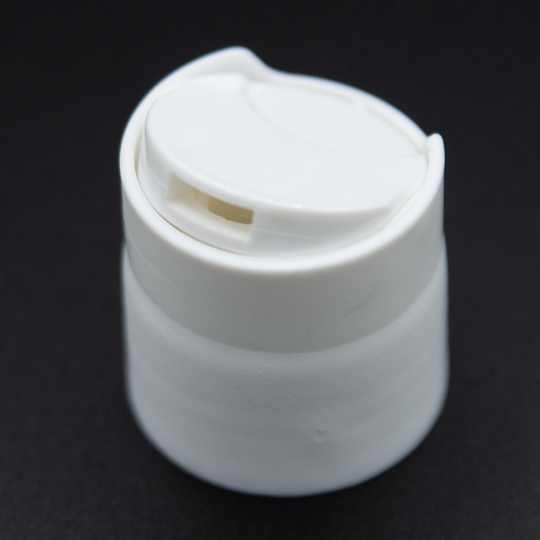 Dispenser Disc Cap | White Color | Neck Size 24/410 (3400 PCS per Case) | SSW | SHSalons.com