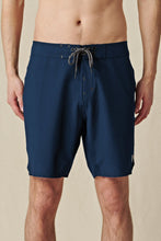 Globe Boardshort - Every Swell Boardshort in colour Midnight