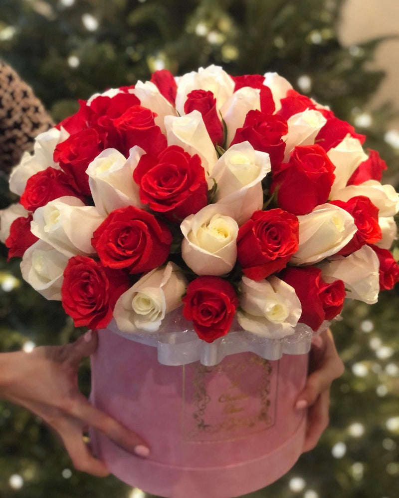 3D Round Box with Fresh Cut Roses