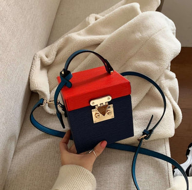 Contrast Box Color Bag / Navy & Red
