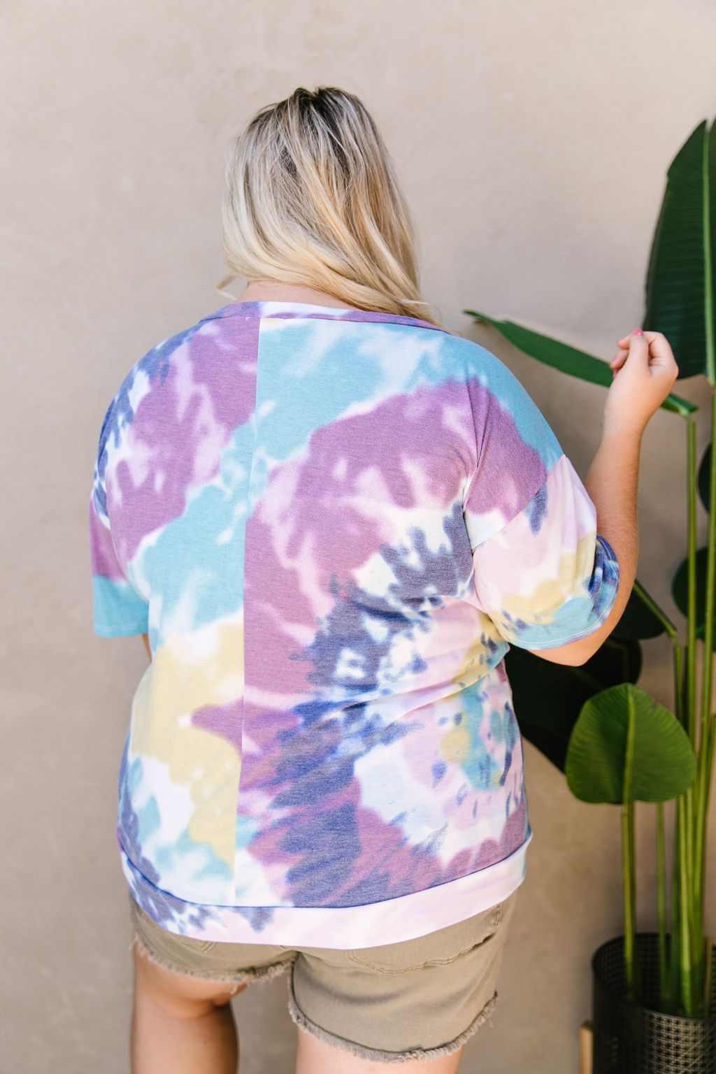 Tie Dye Swirls Top In Purple-
