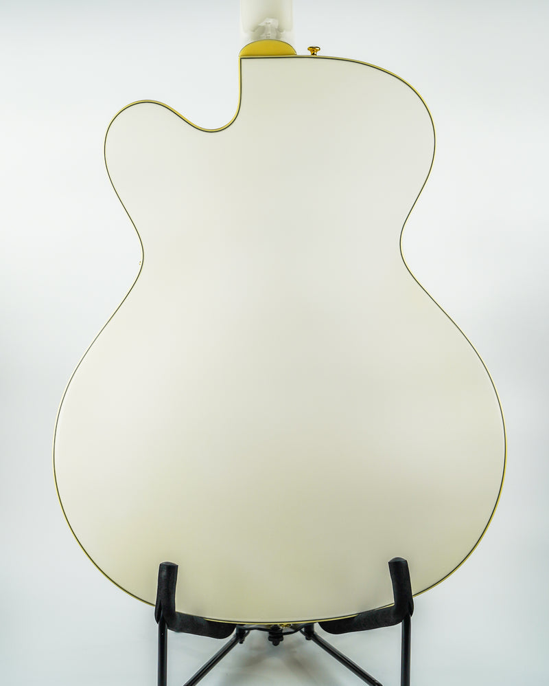 Guild A-150 SAVOY SPECIAL Hollow Body Electric Guitar in Snowcrest White Series: Newark St. Collection  Looking for the ultimate jazz guitar? Look no further than the Guild A-150 Savoy Special. This fully hollow guitar features an arched solid spruce top with arched maple back and sides.
