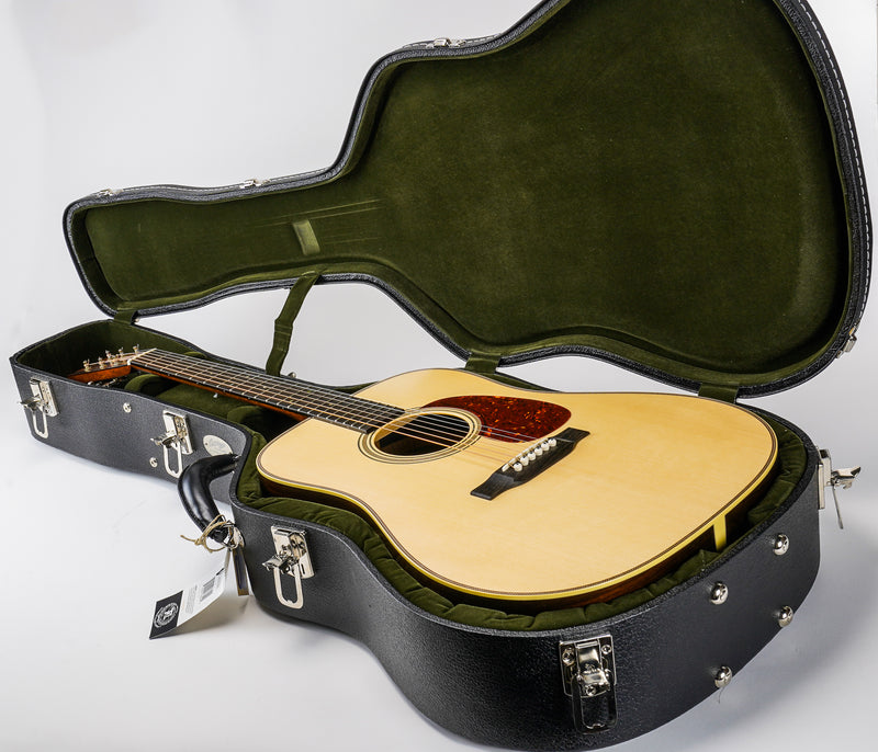 Collings D2H Dreadnaught Acoustic Guitar  Deluxe hardshell case by TKL