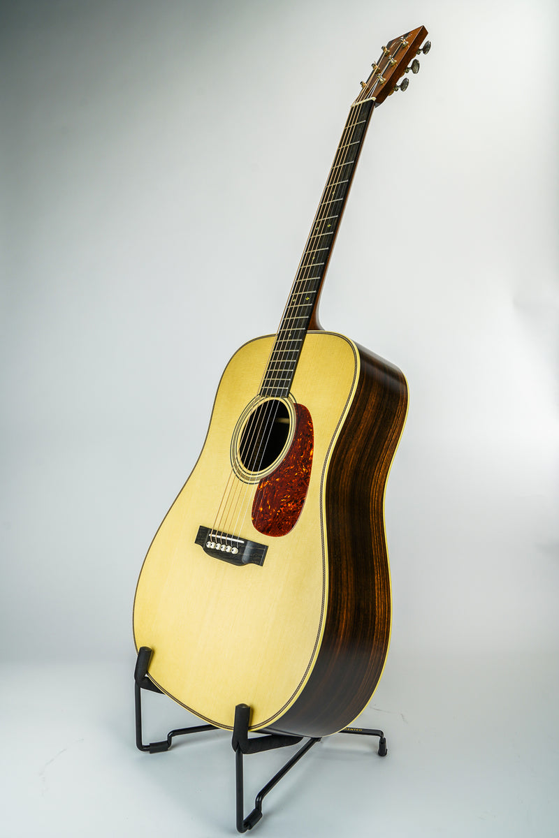 Collings D2H Dreadnaught Acoustic Guitar   Top	Sitka spruce Back & Sides	E. Indian rosewood Neck	Honduran mahogany